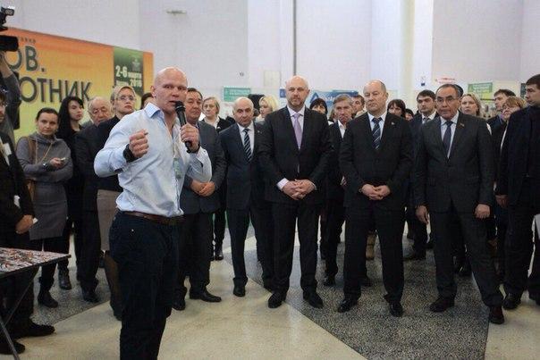 Презентация проекта НАУКА ВЫЖИВАТЬ для первых лиц республики Татарстан.